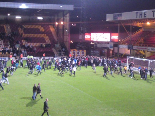 Bradford City fans celebrate Simon Eastwood's penalty save